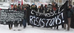 Manifestation contre la brutalité policière dans le Vieux-Hull, 15 mars 2013.  Photo: Ben Powless